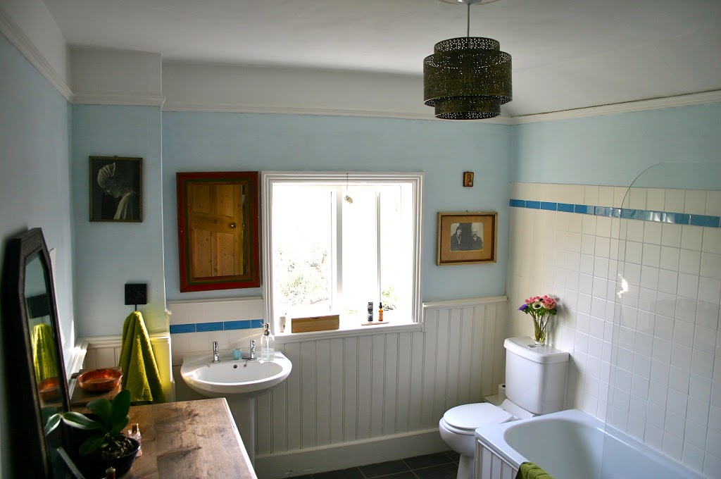 The British Bathroom: One Can Never Be Too Careful!