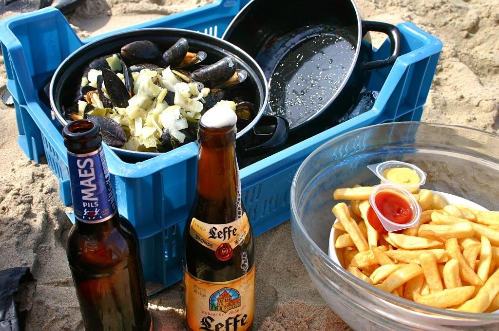 Combining Pleasures: Eating Mussels on the Beach in Belgium