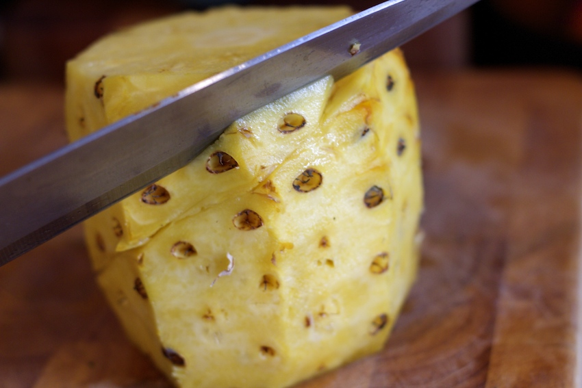 How to cut a pineapple 4